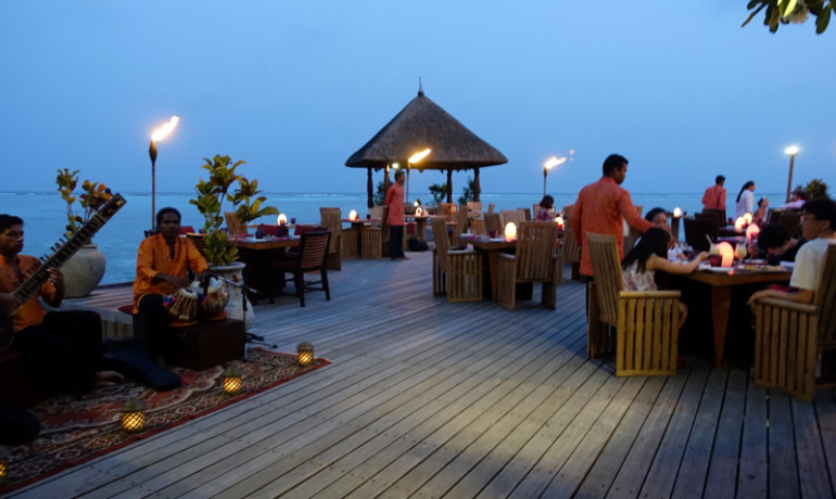 Baraabaru and Reef Club: The Shining Stars of Four Seasons Resort Maldives at Kuda Huraa